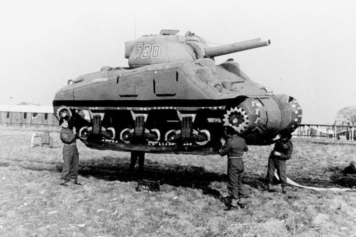 Inflatable_Tank_Decoy