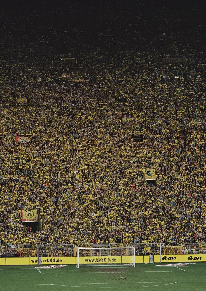 Andreas-Gursky-Dortmund-2009-700x991