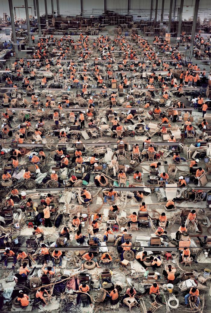 Andreas-Gursky-Nha-Trang-2004-700x1035