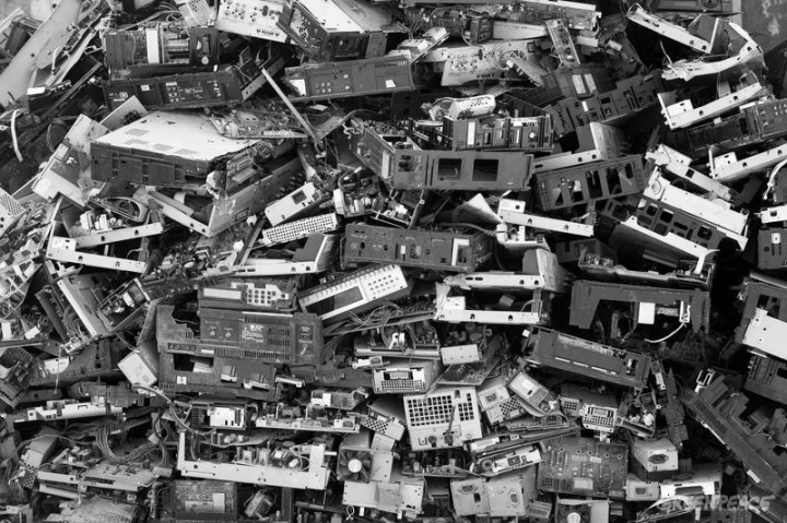 Pile of Waste - Electronic Waste Documentation (China: 2007)