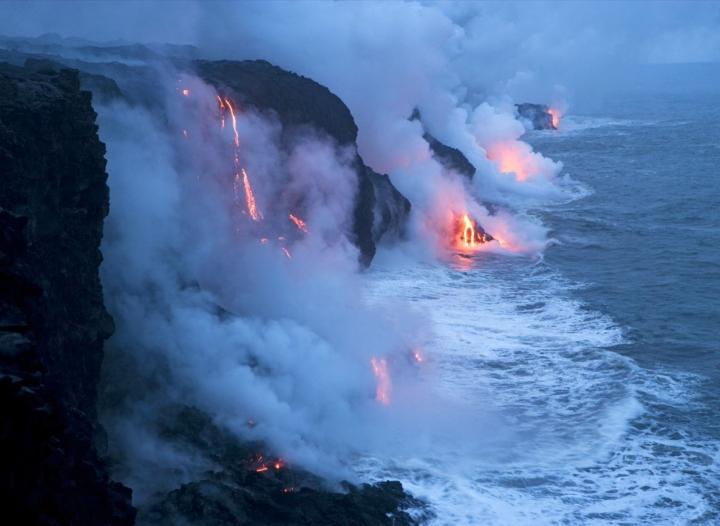 Active-Volcano-volcanoes-8433821-1600-1280